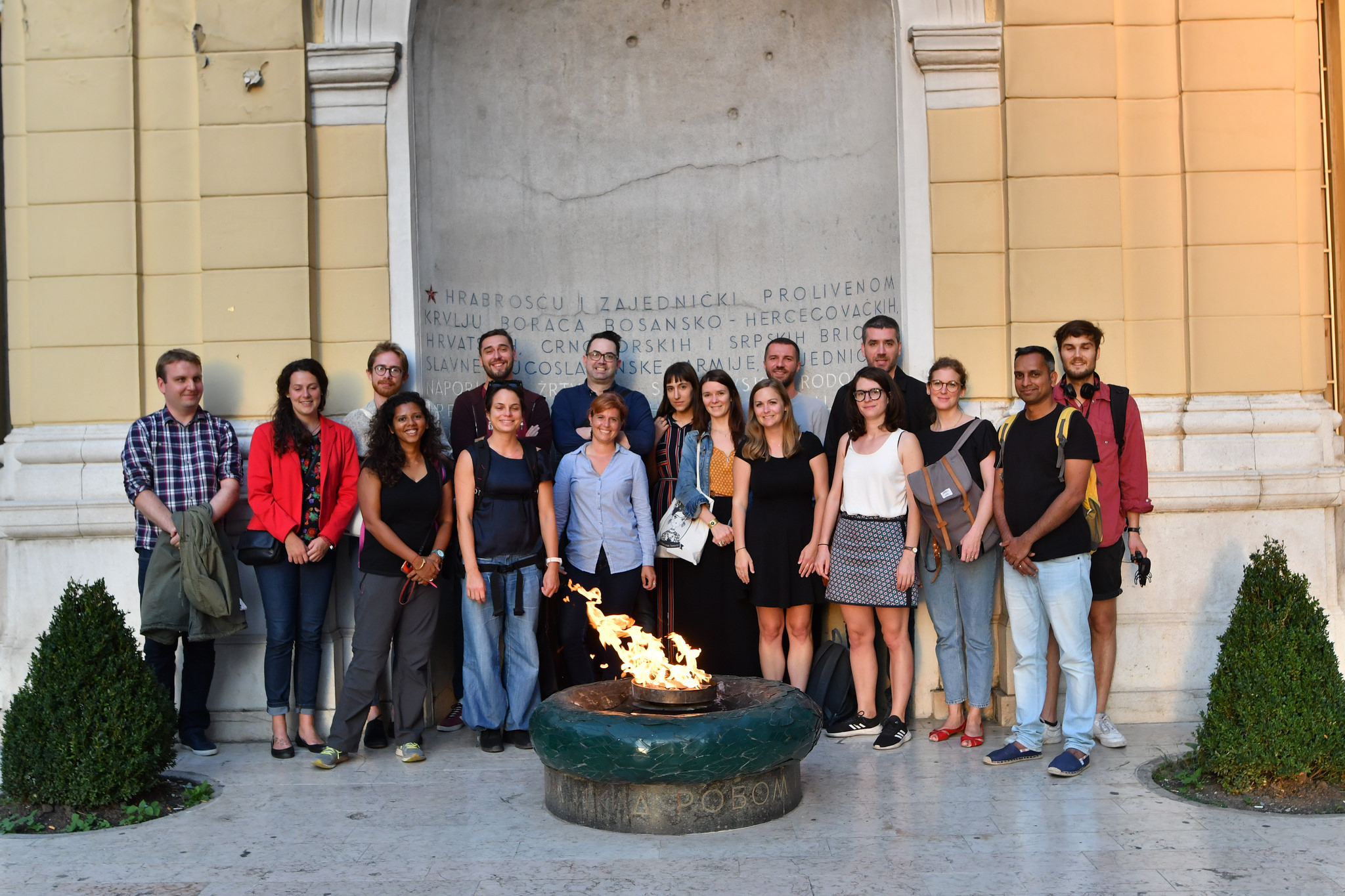 Bosnian election study tour group in front of the Eternal flame memorial in Sarajevo. Credit: Kemal Softić/iac Berlin